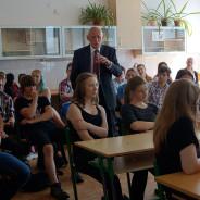 """Opravdu potřebuje """"skutečně zdravá škola"""" 2 milióny korun z vašich daní?"""