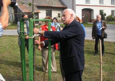 Výsadba památných lip 29.9.2007 Smilovy Hory